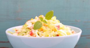 Як приготувати салат з кукурудзою
